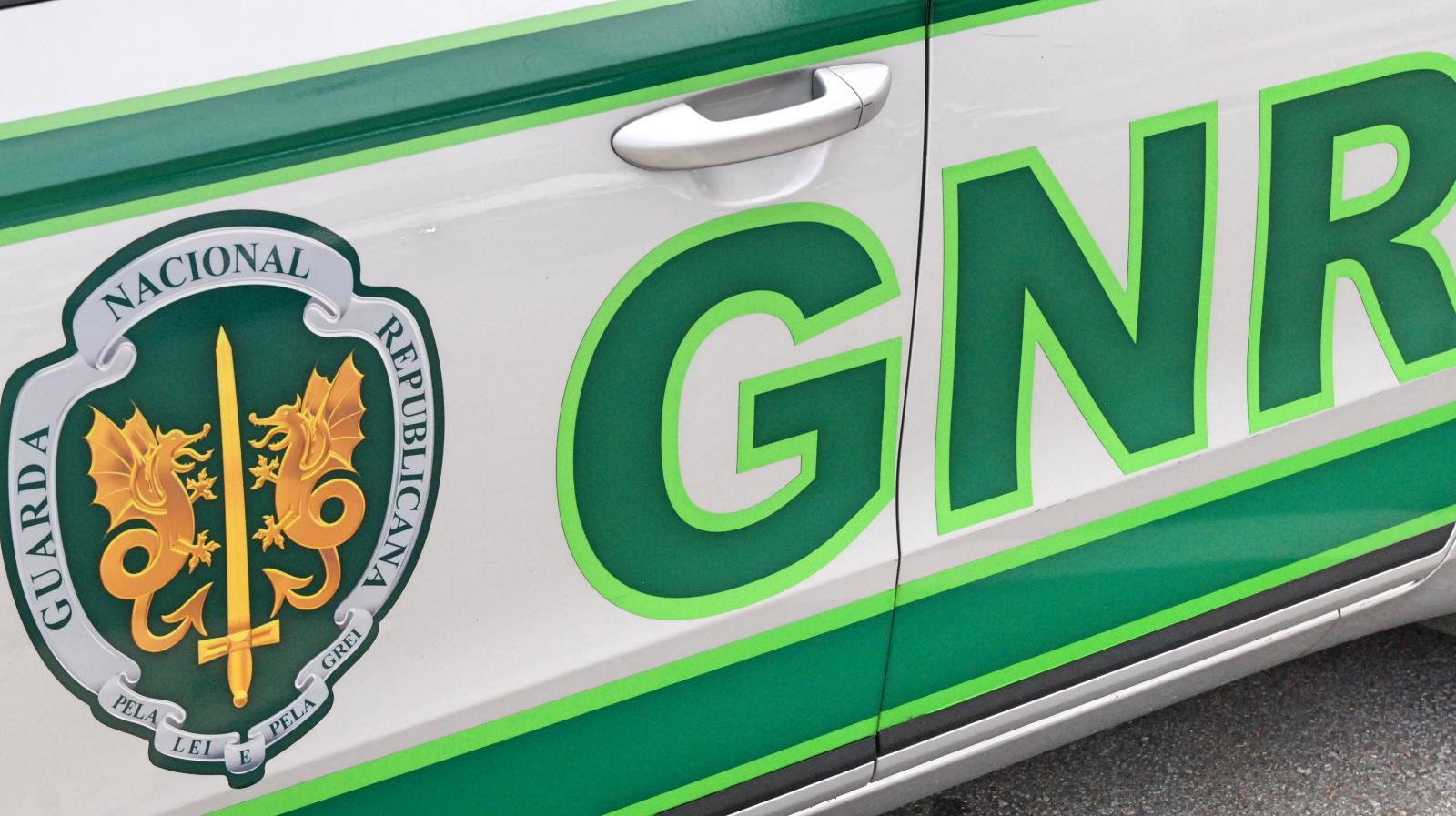Resultado de imagem para GNR Aveiro | Castelo de Paiva – Detidos por furtos em residências