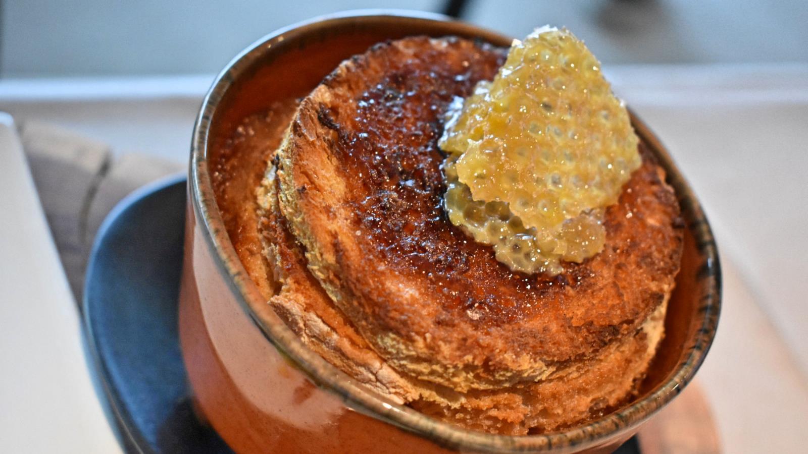 Sopa Seca com Favo de Mel - Castelo de Paiva